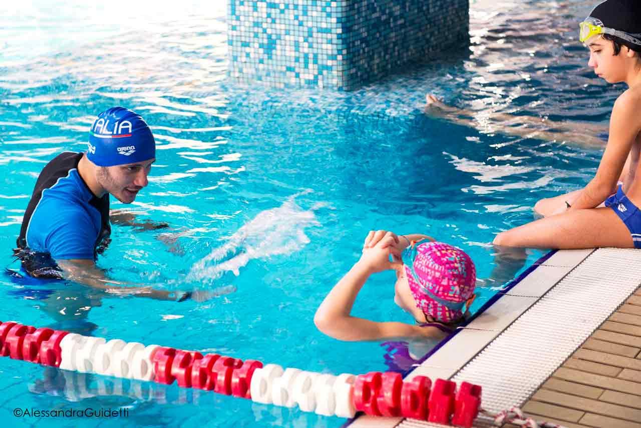 corso nuoto bambini milano accadueo