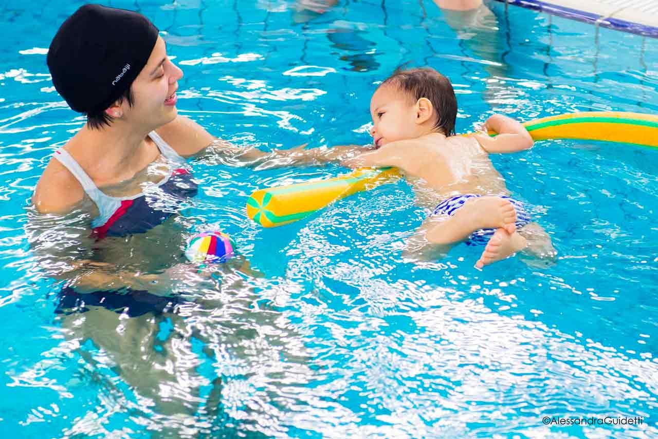 nuoto neonatale milano accadueo