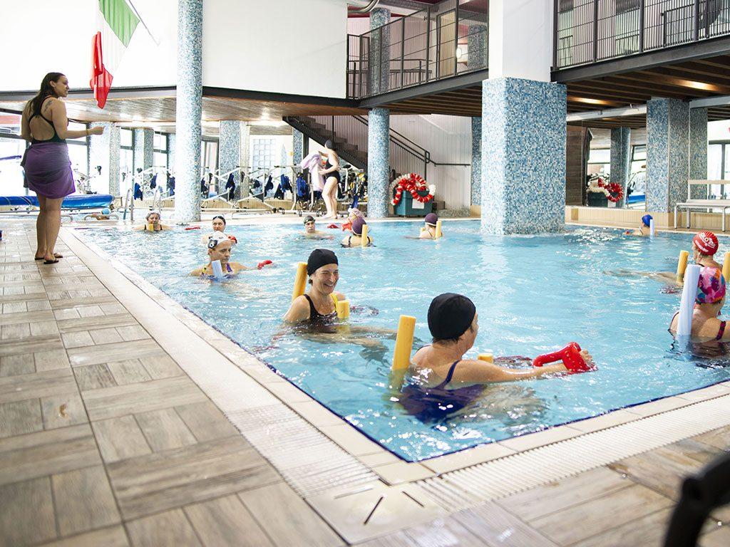 acqua gag esercizi glutei piscina Accadueo Milano