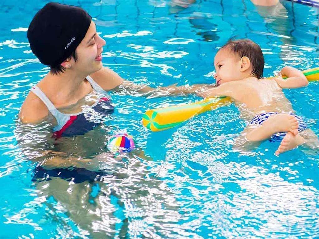nuoto bambini 0 3 anni acquaticità neonatale